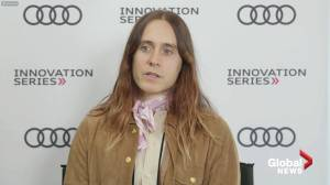 Jared Leto talks about process of transforming into Paolo Gucci: 'It was about 5 hours of prosthetics' (04:16)