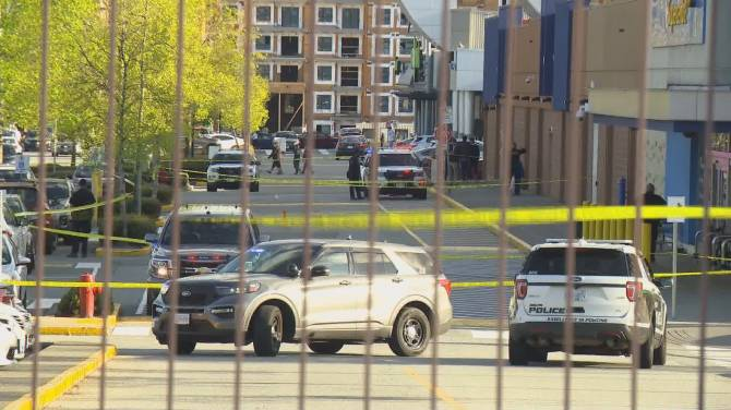 Click to play video: Police identify corrections officer gunned down outside Delta shopping centre on Saturday