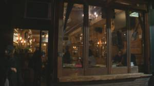Kitsilano restaurant blasted for continuing indoor dining (02:10)