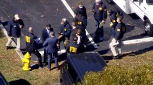 Officials say 2 FBI agents dead, 3 injured while serving warrant in Florida (01:51)