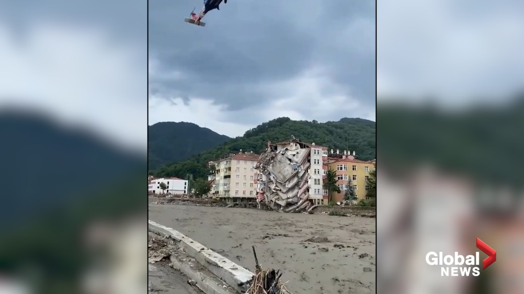Click to play video: 'Turkey floods: Significant damage in town of Bozkurt as 27 confirmed killed so far'