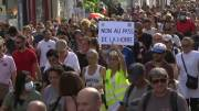 Play video: Hundreds in Paris protest French COVID-19 health pass