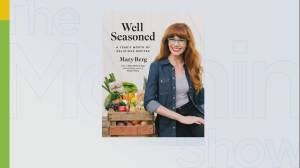Mary Berg's famous chicken recipe revealed (06:06)