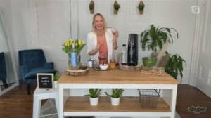 Celebrating Earth Day with zero waste cocktails  & snacks (04:52)
