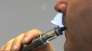 Lung illness tied to vaping claims first life in U.S.: CDC