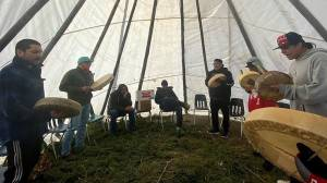 Mental health crisis prompts Tataskweyak Cree Nation to declare state of emergency (03:34)