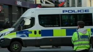 Man shot dead after multiple people stabbed in 'terrorist incident' at London Bridge in U.K. (03:34)