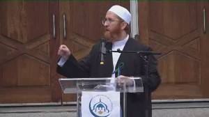Imam Abdul Fattah Twakkal calls for commitment to end racism at vigil for Muslim family killed in London, Ont. attack (01:04)