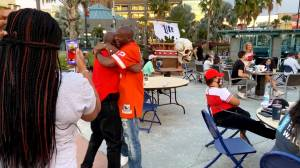 Tampa Bay Buccaneers fans celebrate after team clinches Super Bowl spot (01:17)