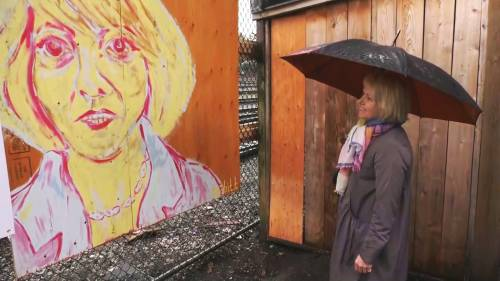 Dr. Bonnie Henry tours Vancouver murals in namesake pink Fluevog heels | Watch News Videos Online