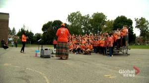 Montreal students pay respect to Indigenous traditions during Truth and Reconciliation Week (02:05)