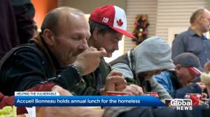 Montreal organization offers hot meal to city's homeless