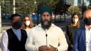 Canada election: Singh pledges to make public transit fully electric by 2030 by doubling funding (02:46)