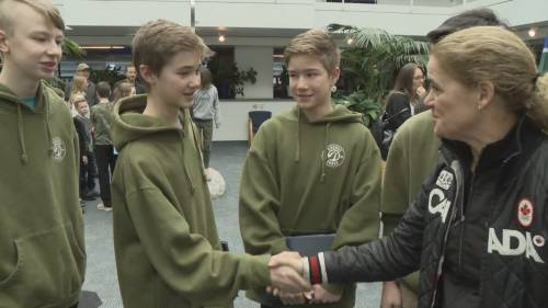 B.C. teens recognized for heroic Grouse Mountain chairlift rescue | Watch News Videos Online