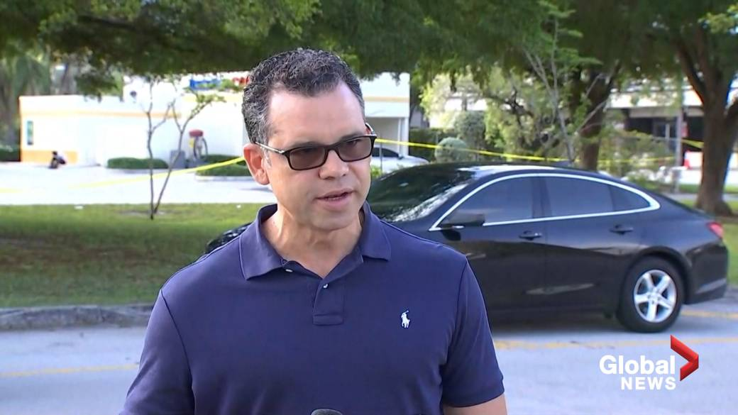 '3 dead, 6 injured successful  shooting astatine  Florida graduation party, constabulary  say'