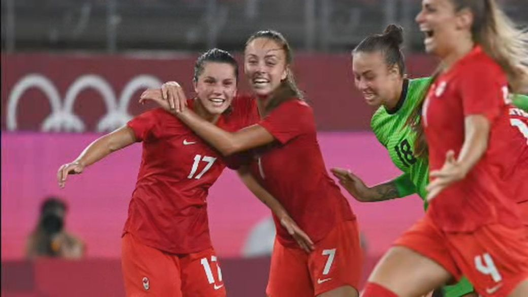 Click to play video: 'Team Canada kicks U.S. out of running for women's soccer Olympic gold'