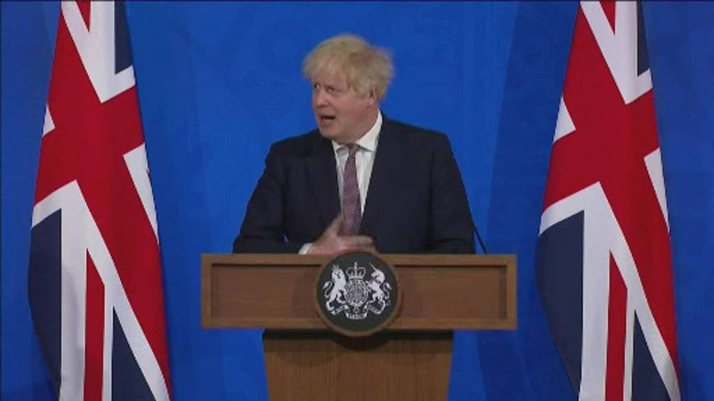 Click to play video: 'Britain to ease lockdown restrictions but caution remains'
