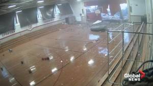 Storm blows roof off school in Clinton, N.C., injures students