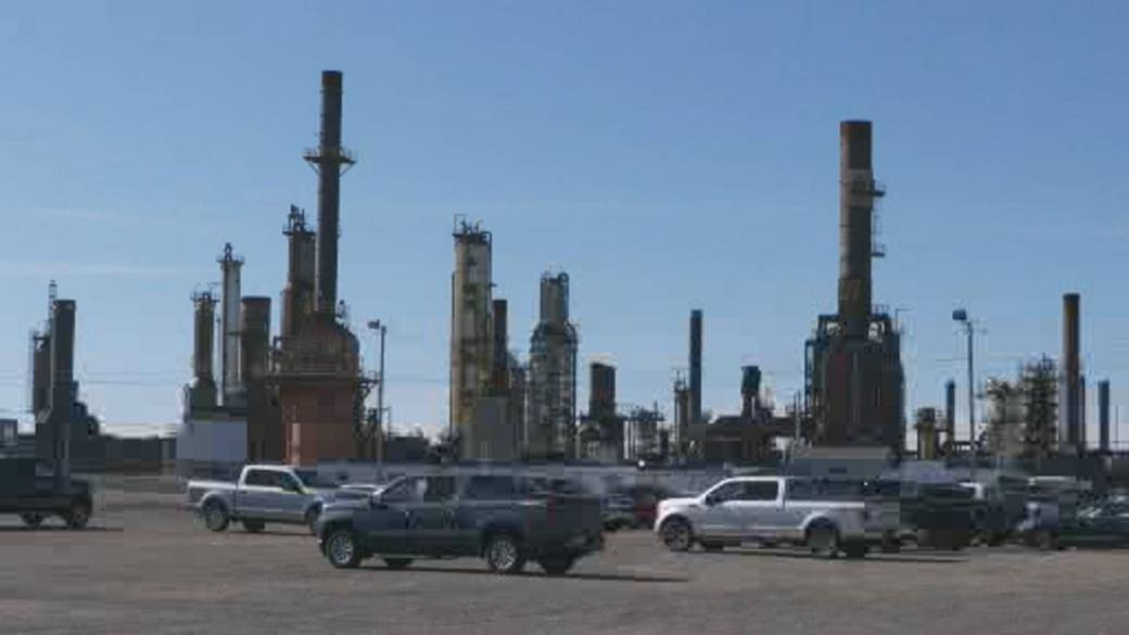 Click to play video 'N.L.'s Come By Chance oil refinery may close as deal fails'