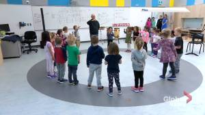 Classroom bubbles to minimize contacts for students in kindergarten to Grade 8: N.B. gov (01:25)