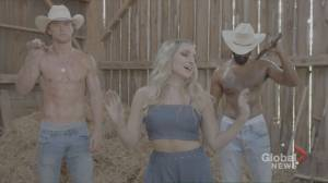 Country singer Sarah Wickett on her new single 'Momma's Boy' (03:56)