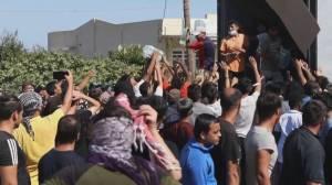 Fire destroys Greece's largest refugee camp