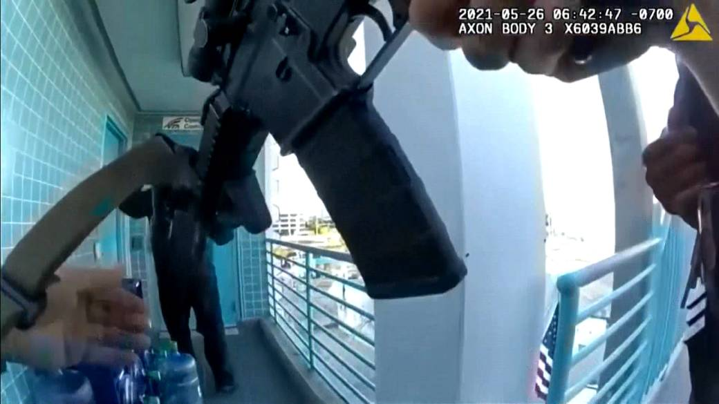 Dramatic bodycam footage of constabulary  effect   released'
