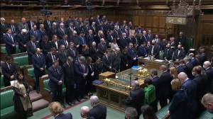 Moment of silence held for slain MP David Amess in UK House of Commons, House of Lords (02:10)
