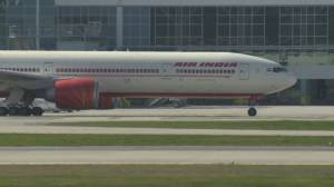 Ottawa suspends passenger India and Pakistan flights from landing at Canadian airports (01:47)