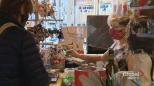 COVID-19: Struggling retailers hope Small Business Saturday helps 'keep us little guys afloat' (01:36)