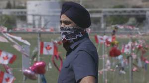 Defence Minister Harjit Sajjan arrives in Kamloops to meet with Snowbirds (02:24)