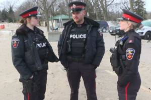 Durham Police officers hailed as heroes after rescuing men from icy Lake Ontario