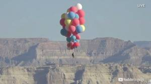 Watch as David Blaine floats 9,000 metres above Arizona using jumbo balloons (03:45)
