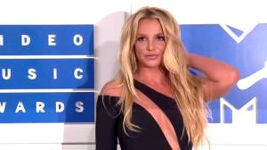 Britney Spears' father files petition to end court conservatorship (00:39)