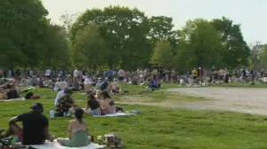 Ontario's warm weather brings out crowds and complacency
