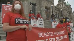 Hotel workers hold rally at B.C. legislature to protect jobs during pandemic (00:44)