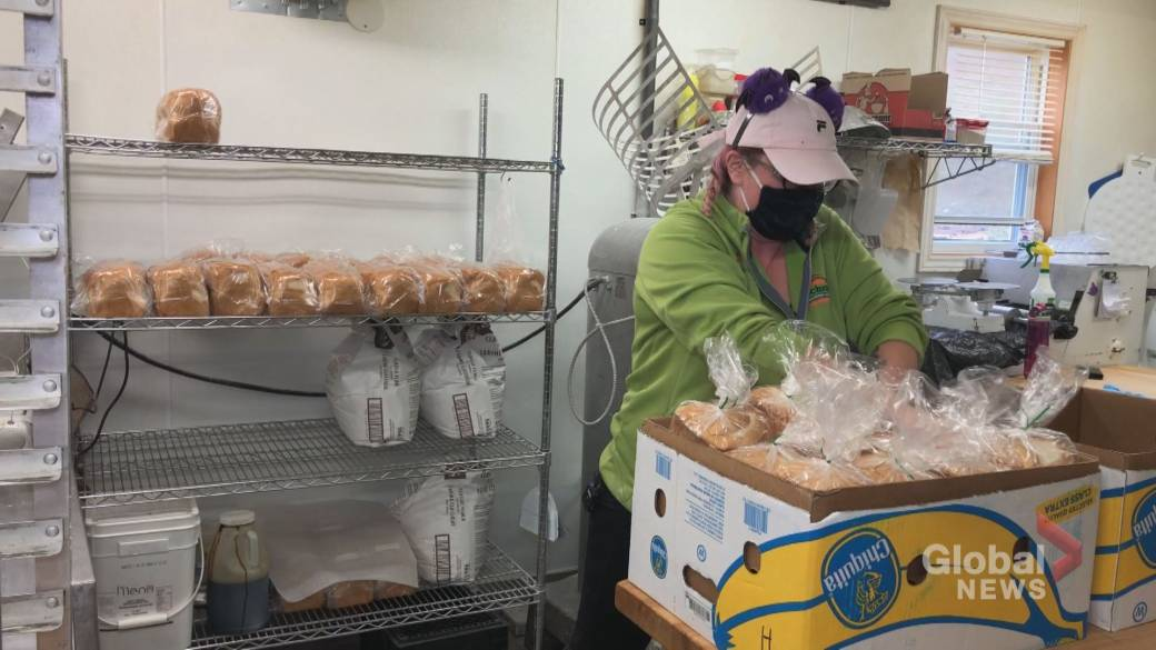 Click to play video: 'N.B. baker bakes bread for those in need amid COVID-19'