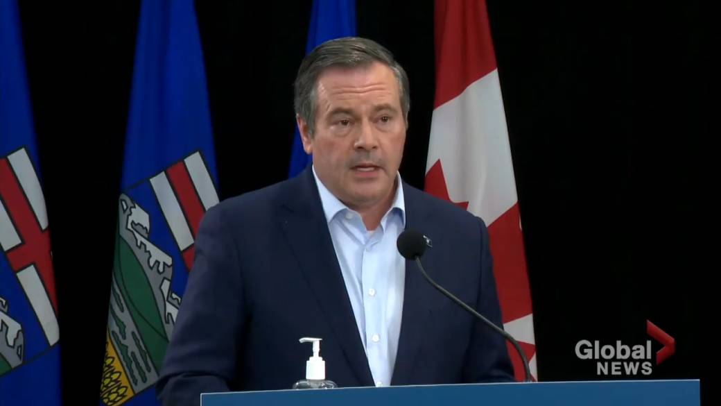 Click to play video: 'Alberta launches app to scan COVID-19 proof-of-vaccine QR code'
