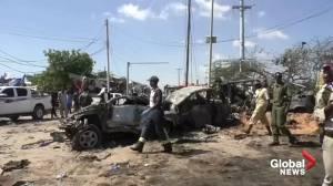 Bomb blast at Mogadishu checkpoint kills at least 90 (00:42)