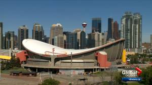 COVID-19: Staff and fans attending Scotiabank Saddledome, McMahon Stadium must be fully vaccinated (02:39)