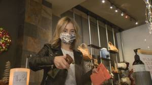 Saskatchewan businesses, communities react to broadened mask mandate (01:37)