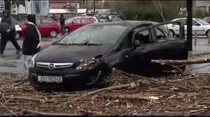 Raw video:  Amateur footage of strong storm hits Croatia
