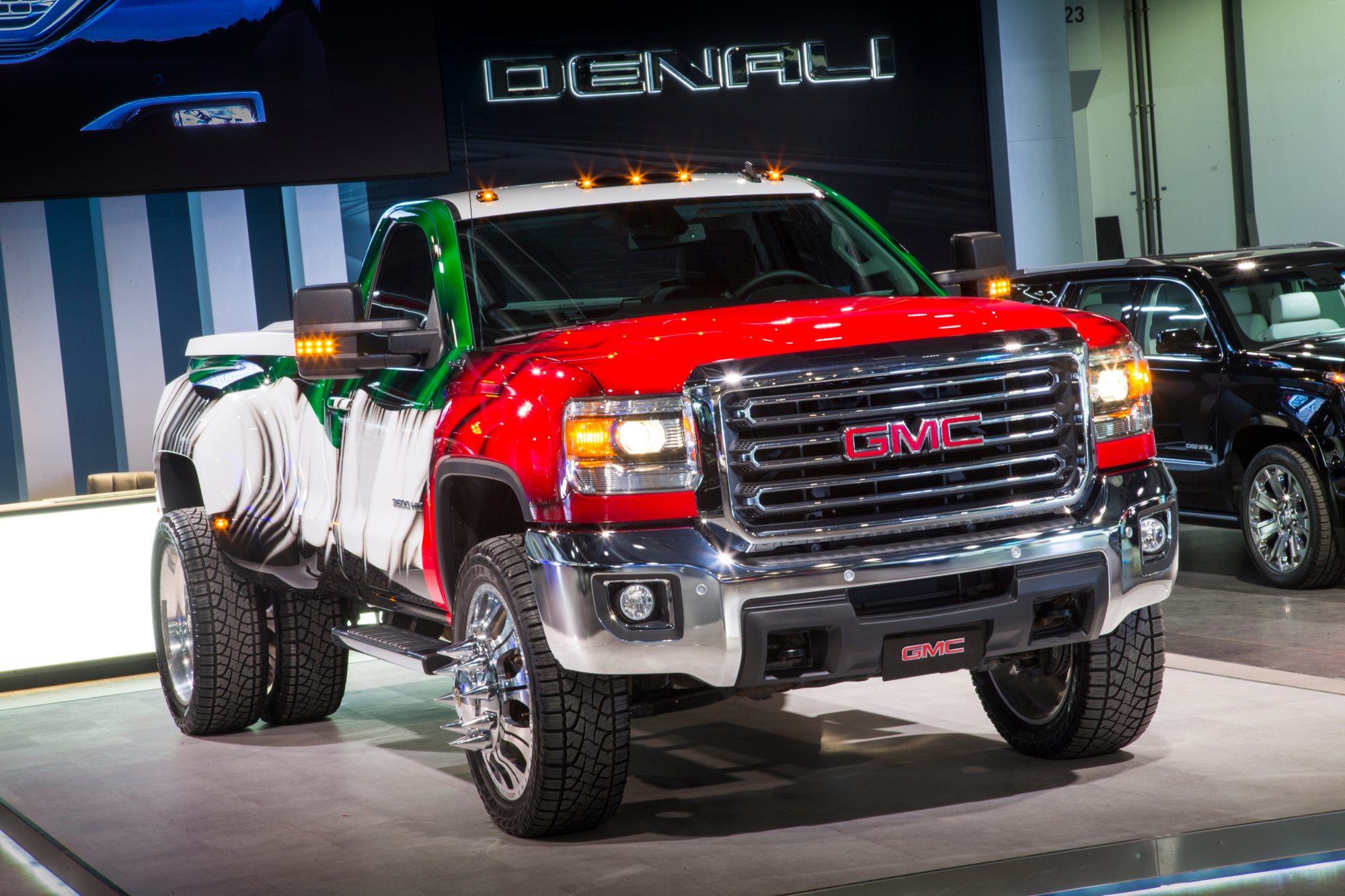hight resolution of take a virtual tour of the gmc stand at the dubai international motor show 2015