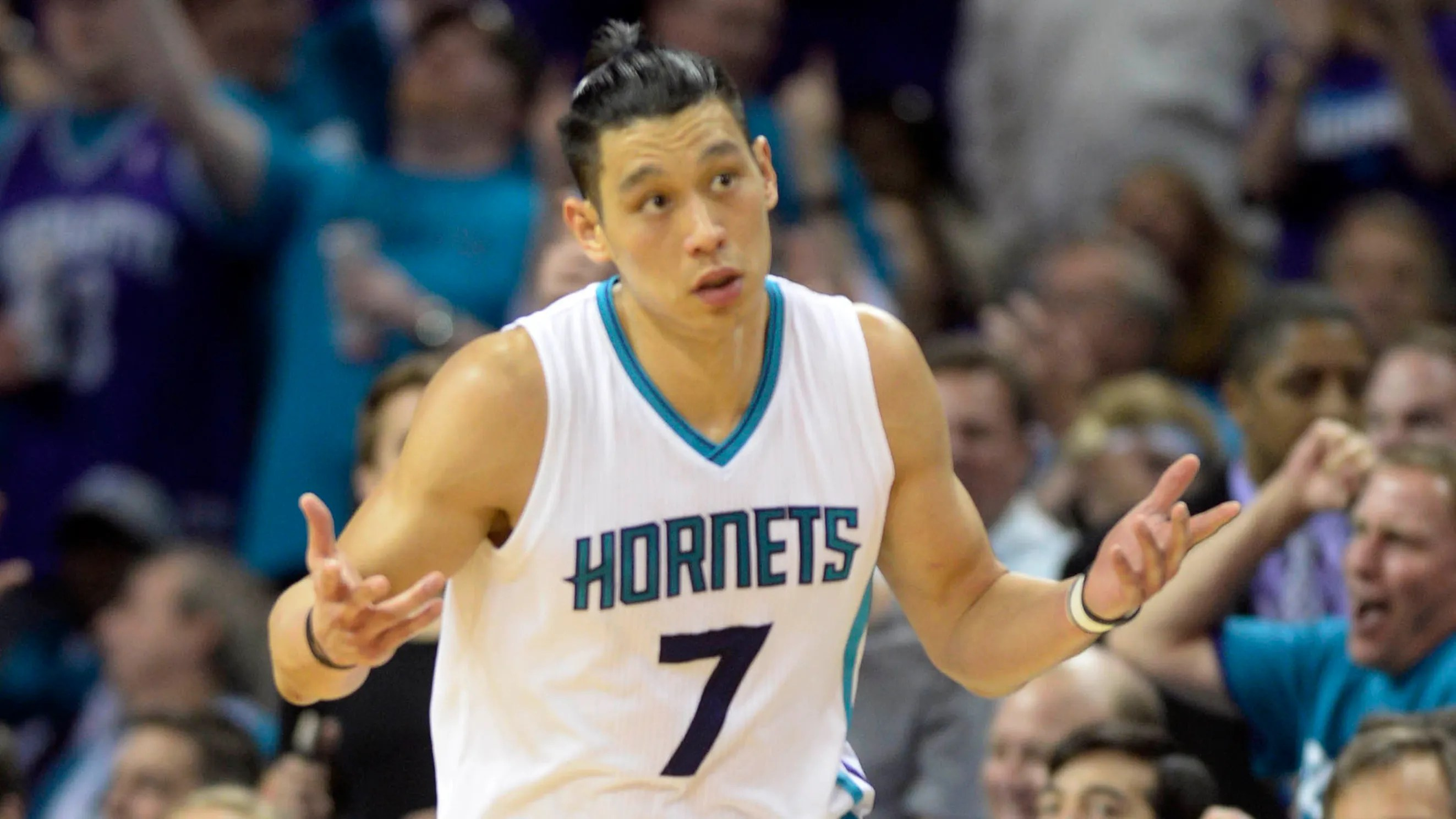 Jeremy Lins Mini Man Bun Might Give Him Jordans