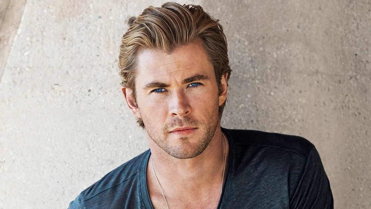 Let Chris Hemsworth Show You How To Wear A V Neck T Shirt Gq