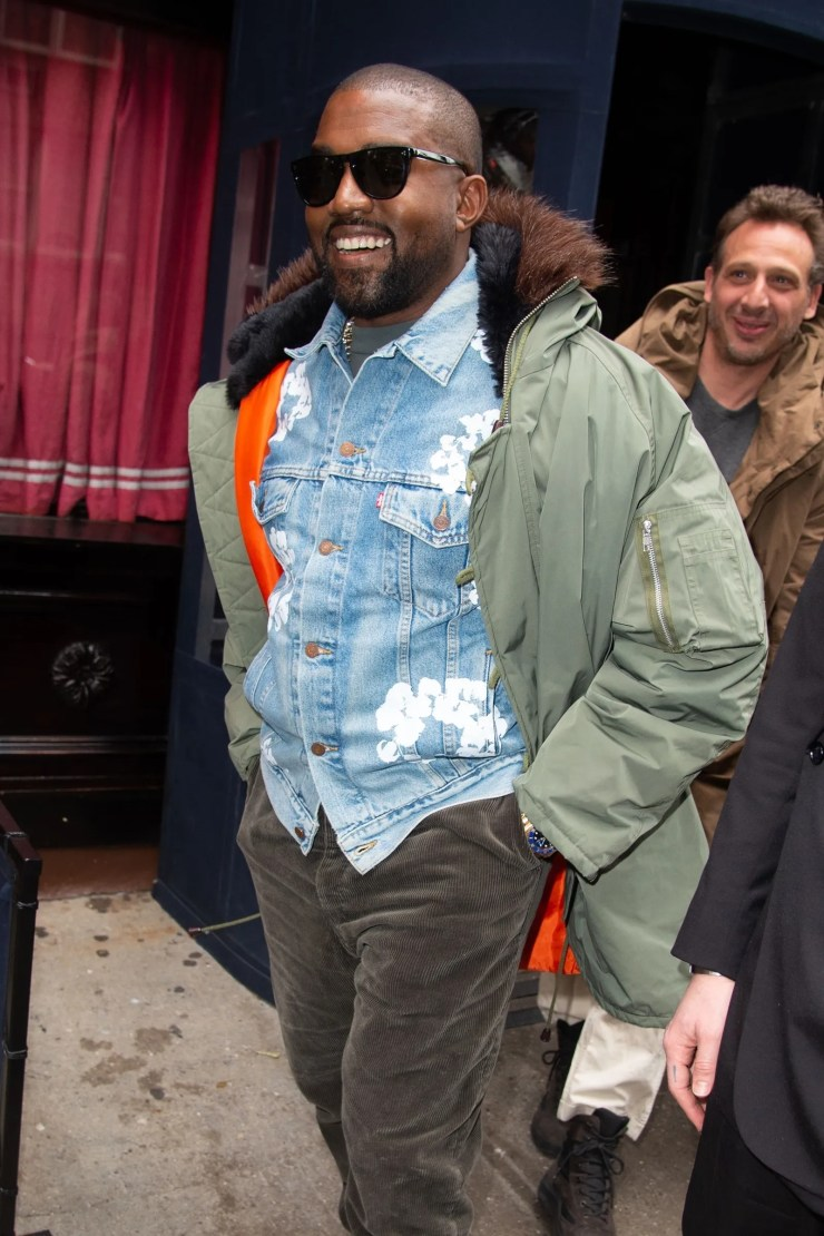 New York NY  Kanye West and Virgil Abloh leave lunch and walk back to their hotel after spending time together in NYC.