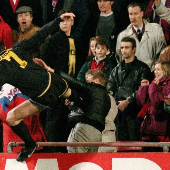 The tabloids pulled no punches on the morning. Le Kung Fu Kick De Cantona A 20 Ans Gq France