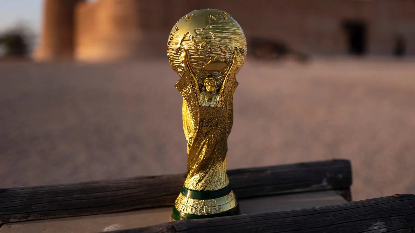L'équipe de france qui s'apprête à disputer la finale de la ligue des nations, dimanche à 20h45, face à l'espagne. Voici les dates de la Coupe du monde 2022 | GQ France