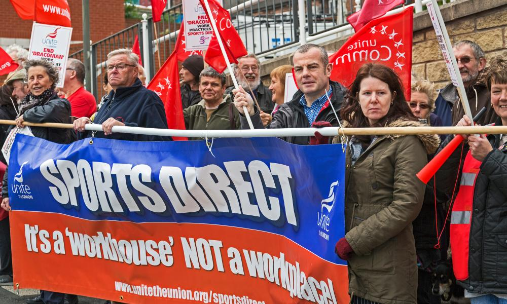 Union campaigners protest about Sport Direct.