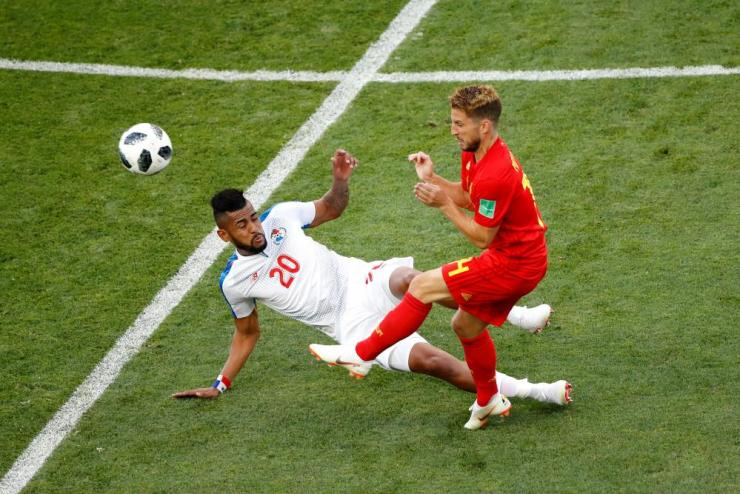 Anibal Godoy of Panama and Dries Mertens of Belgium battle for the ball.